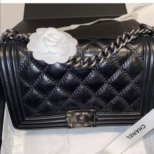 Auth Chanel Le Boy old medium quilted leather bag